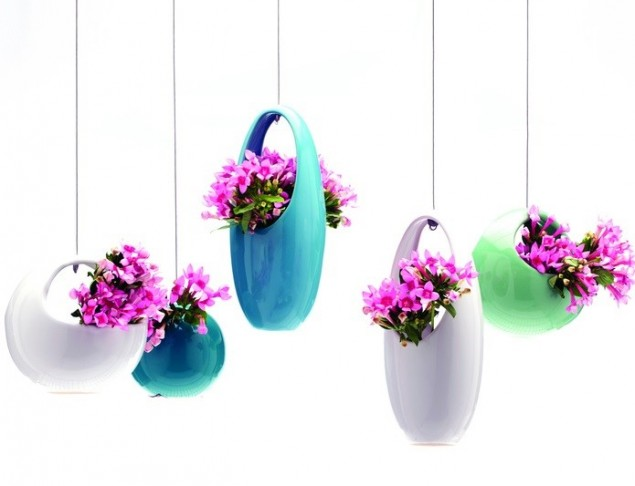 Hanging Aeriums vase by Chive UK