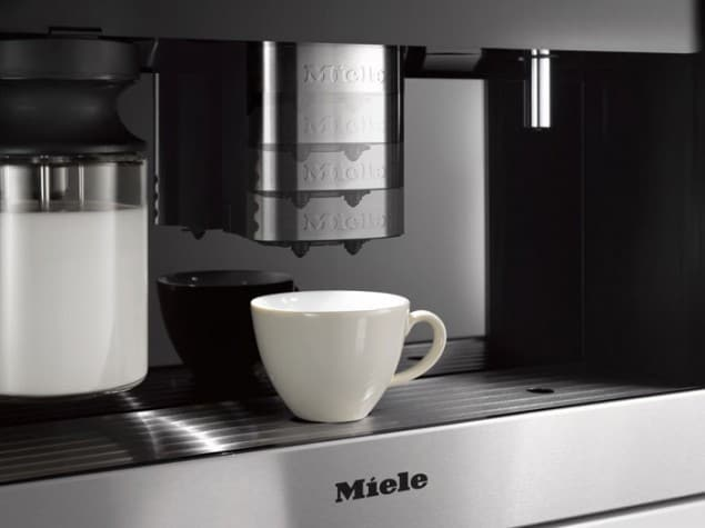Generation 6000 built in coffee machine with self-adjusting spout from Miele