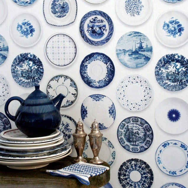 Blue Porcelain wallpaper by studio Ditte