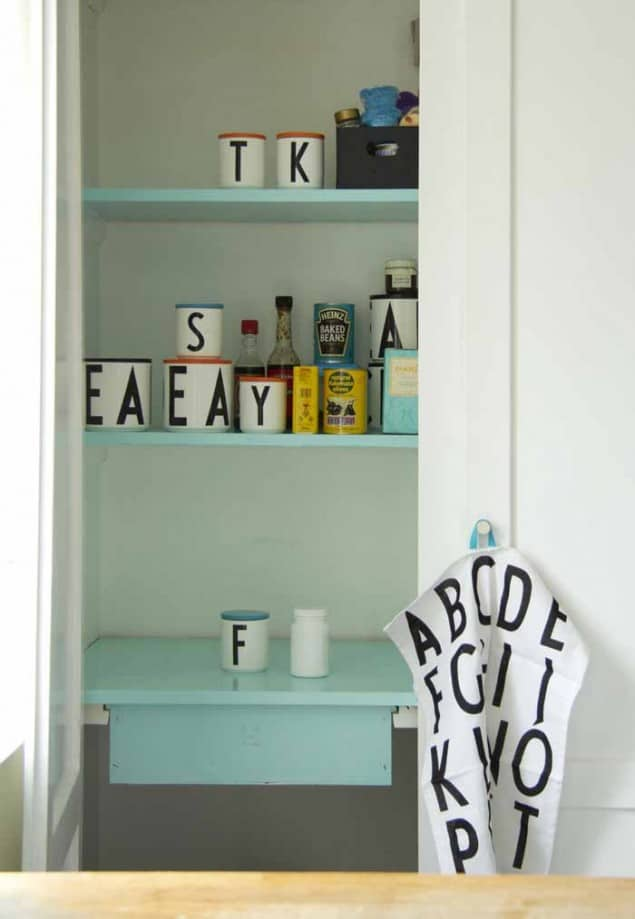 Design Letters + Arne Jacobsen kokkenskabkitchen cupboard