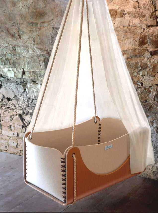 Roll-hanging cradle by woodly