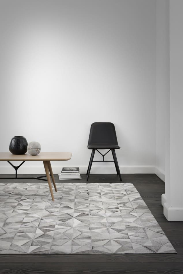 WovenGround Jasmine rug by Linie Design - grey