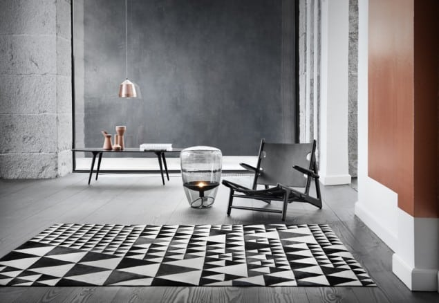 WovenGround Pyramid rug by Linie Design - white-black