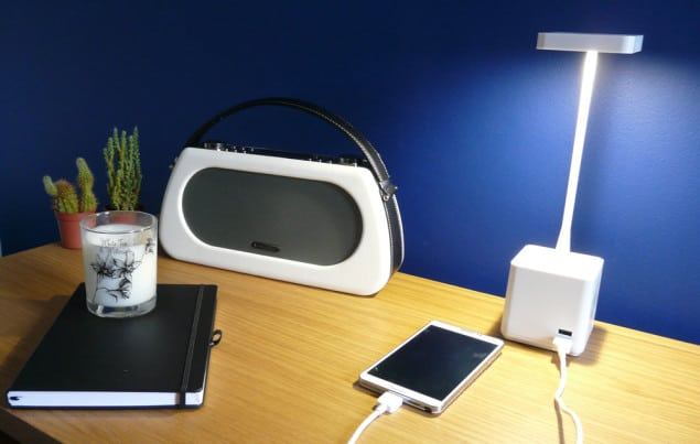 Cubert LED lamp with power and charging