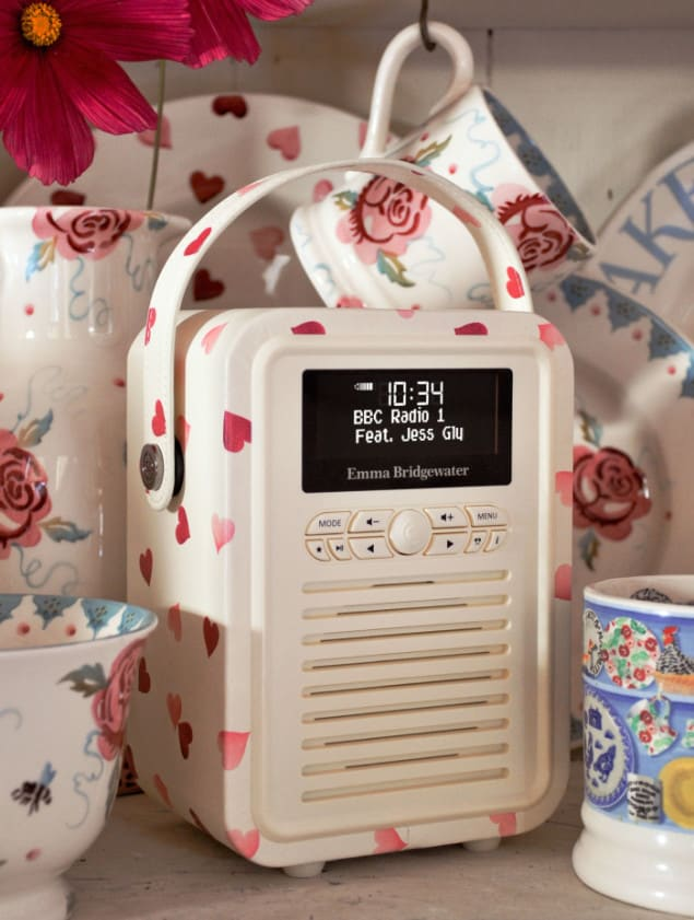 Retro Mini radio by VQ in collaboration with Emma Bridgewater