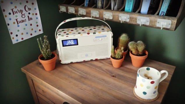 VQ Emma Bridgewater Retro MKII Polka Dot DAB+ Radio