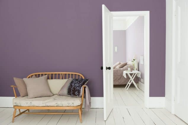 Dulux Livingroom in purple with white skirting