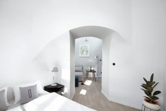 Design Hostel Long Story Short in the Czech Republic_Nook room_photo by Josef Kubicek