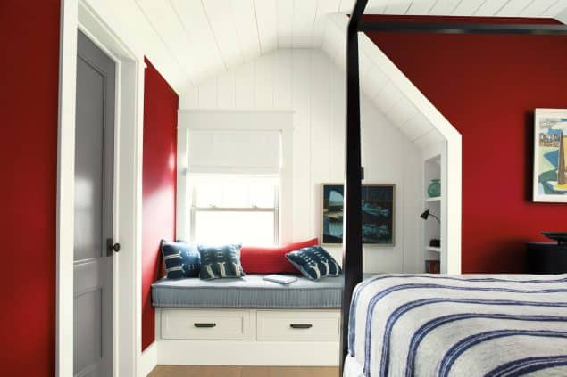 2018 Colour Trends - Benjamin Moore Caliente - Red Bedroom