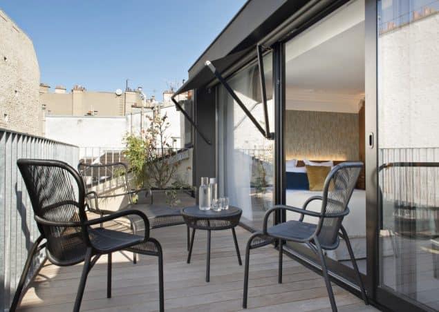 Parister Hotel Paris Balcony (2)