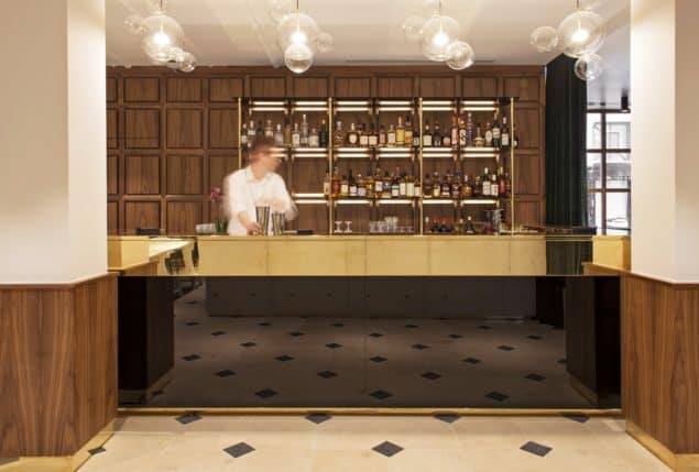 Parister Hotel Paris Reception (1)