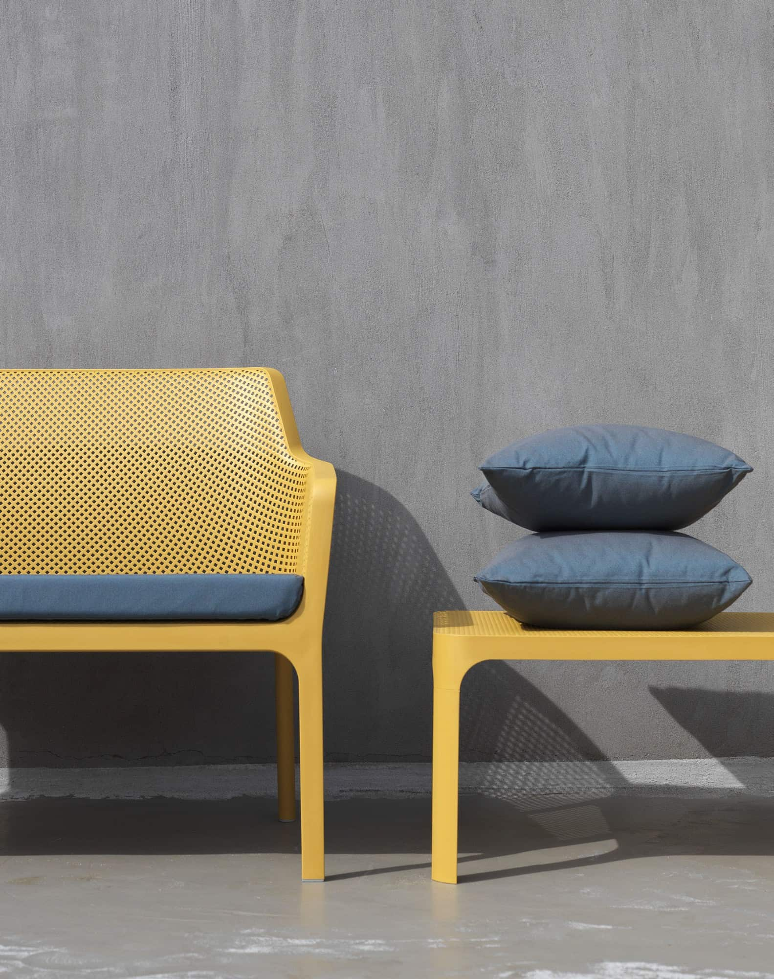 Net outdoor furniture - Bench and Table by Nardi