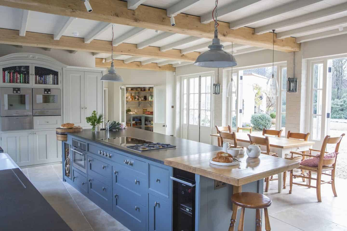 Traditional style country kitchen in blue by Mark Taylor Design