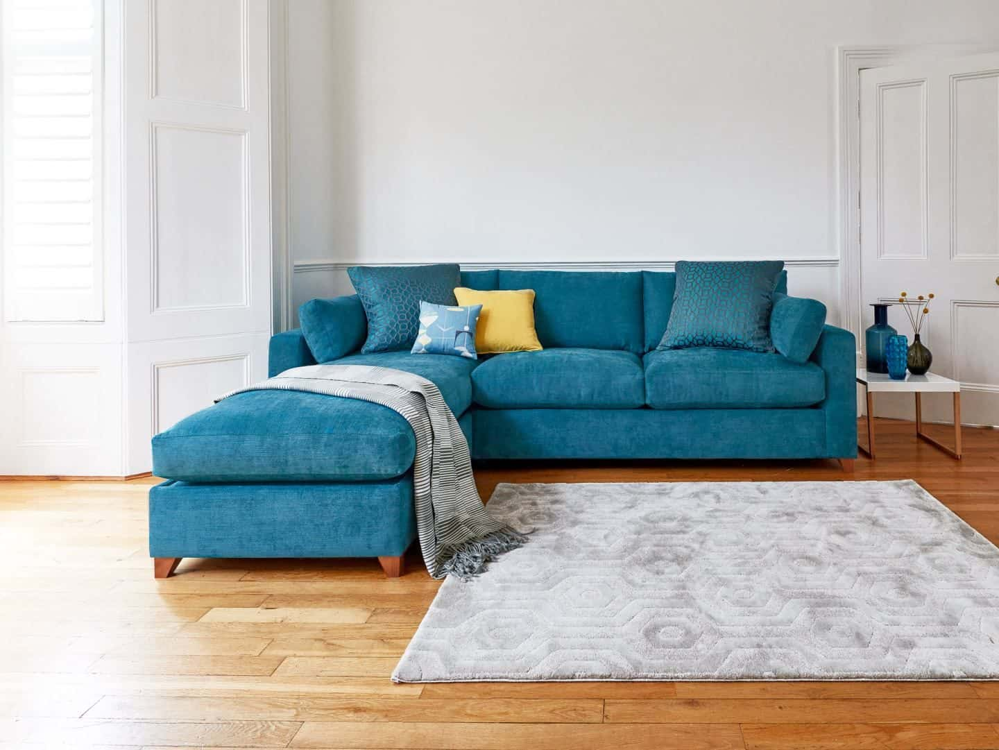 How to choose perfect fabric for furniture. Willow & Hall - Ashwell Sofa-2