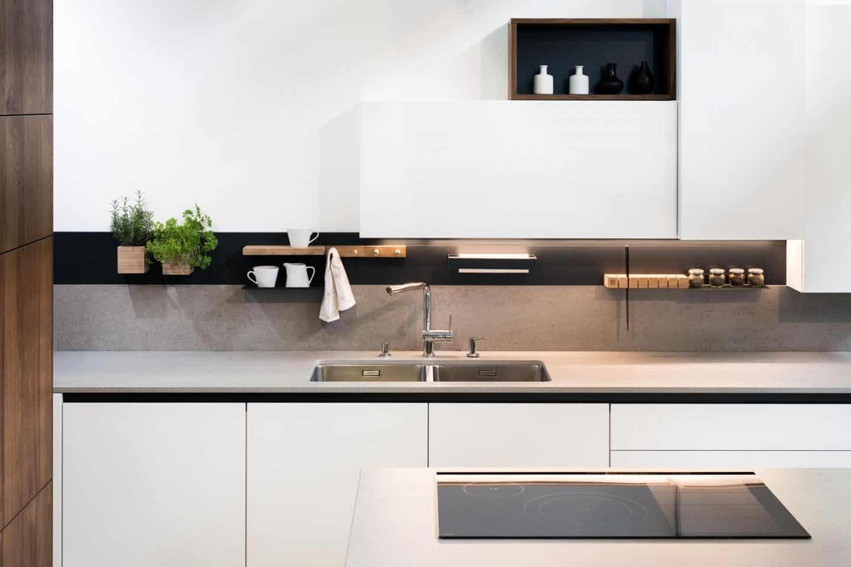 Steelline_magnet, a magnetic Storage System by 3s design. installed in a kitchen Photo Blaz Jamsek