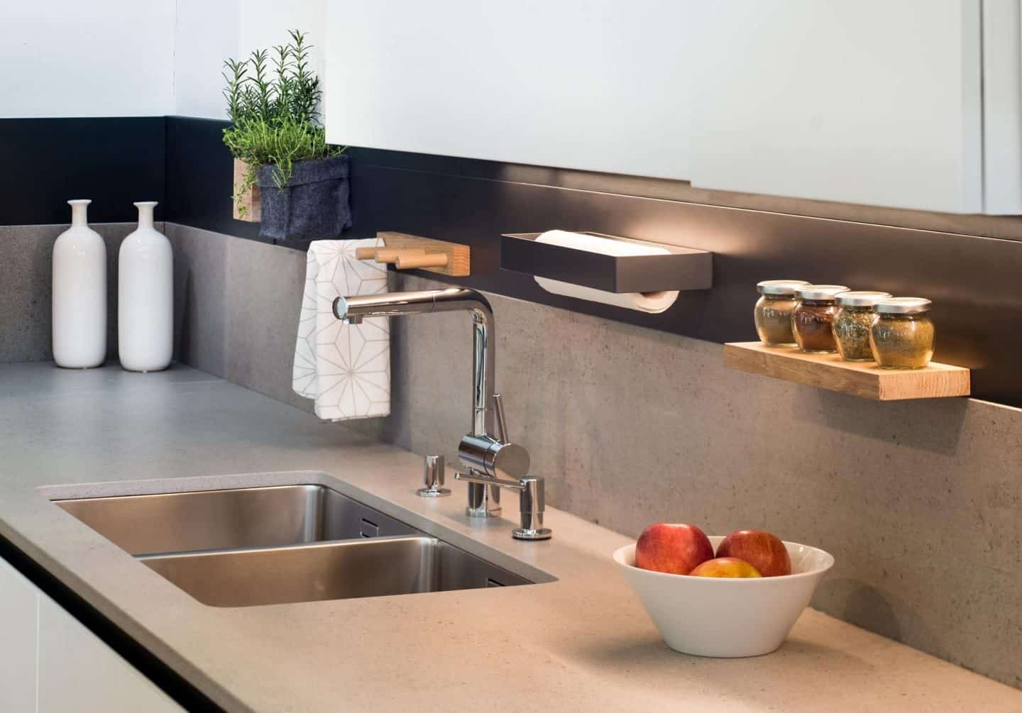 Steelline_magnet is a Magnetic Storage System by 3s design installed in a kitchen. Photo by Blaz Jamsek