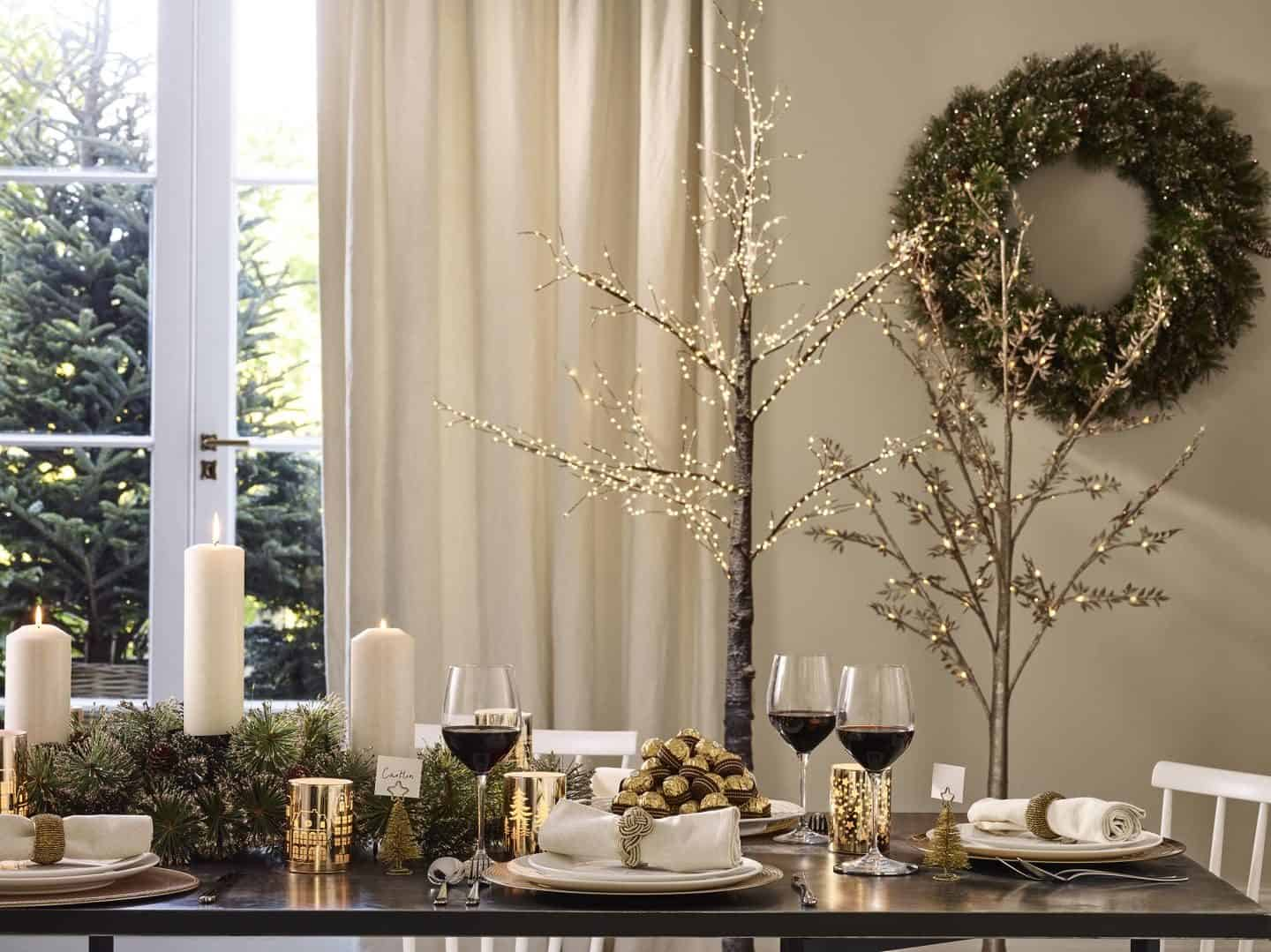 Dobbies All That Glitters Christmas Trend - Dining table that incorporates lots of Christmas sparkle