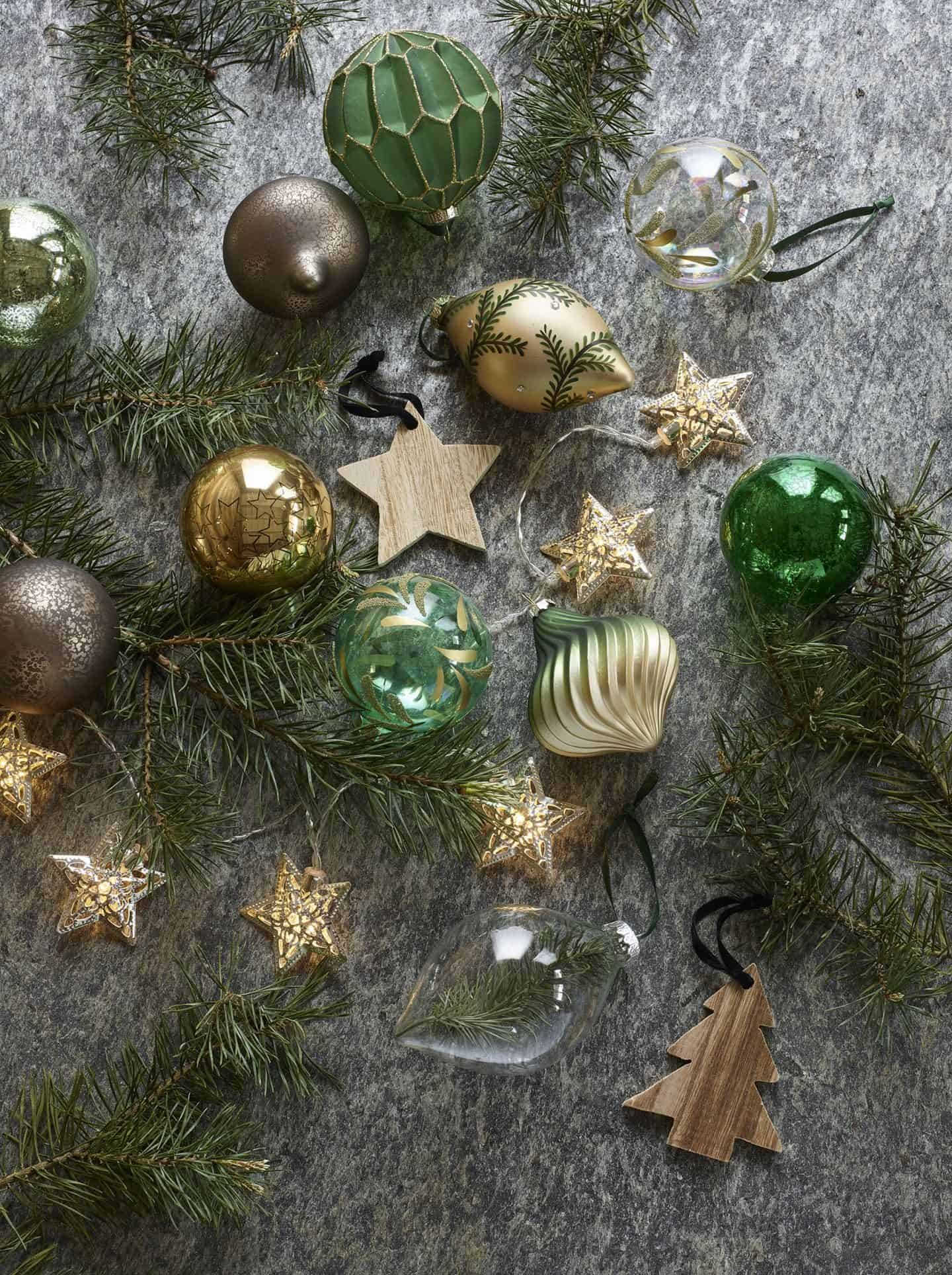 Dobbies Selection of Enchanted Garden Christmas Trend - Baubles