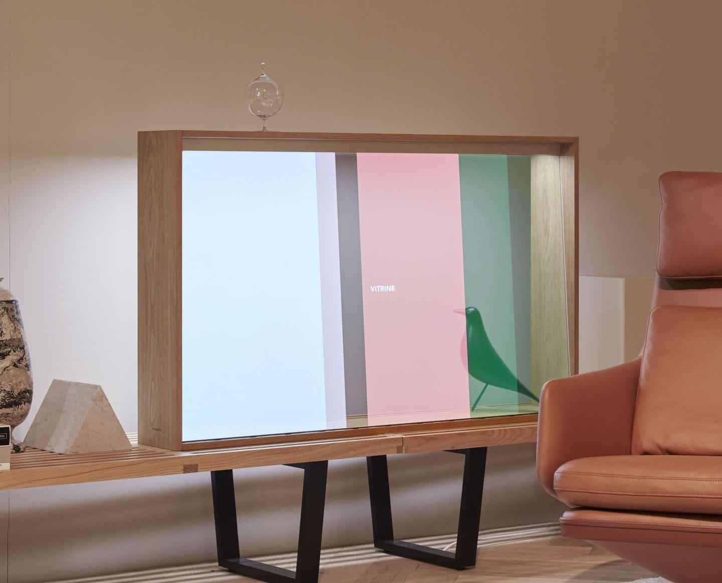 Panasonic Vitrine Transparent TV