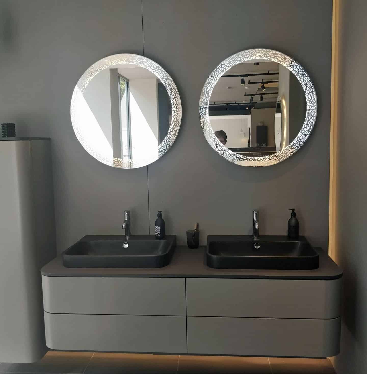 Happy D.2 Plus washbasins in the Duravit Showroom in Clerkenwell