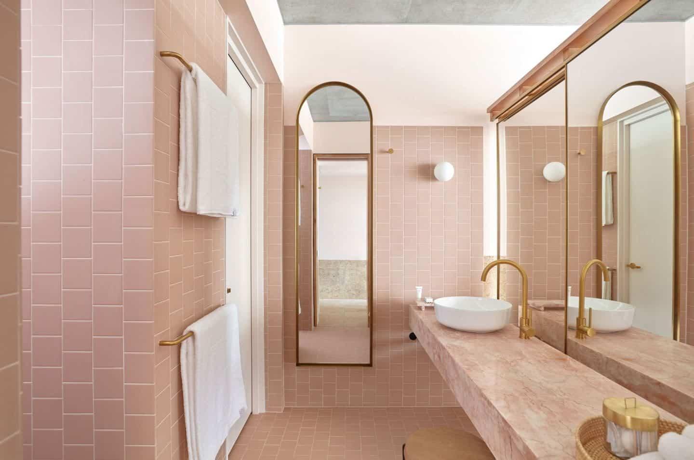 Bathroom at Calile tropical hotel in Brisbane, Australia