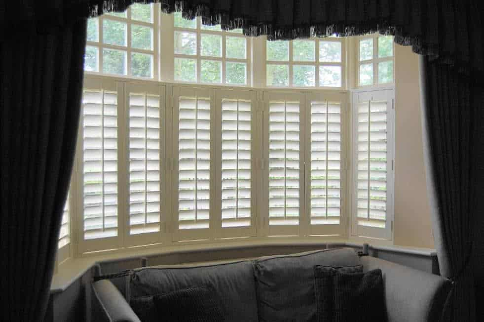 Diamond Shutters in a bay window - how to choose the right window shutters for your home