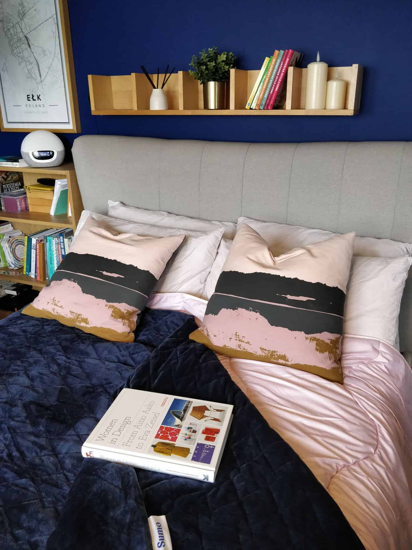 World Sleep Day 2020-5 Ways to Improve your Sleep. A double bed with pink and blue bedding