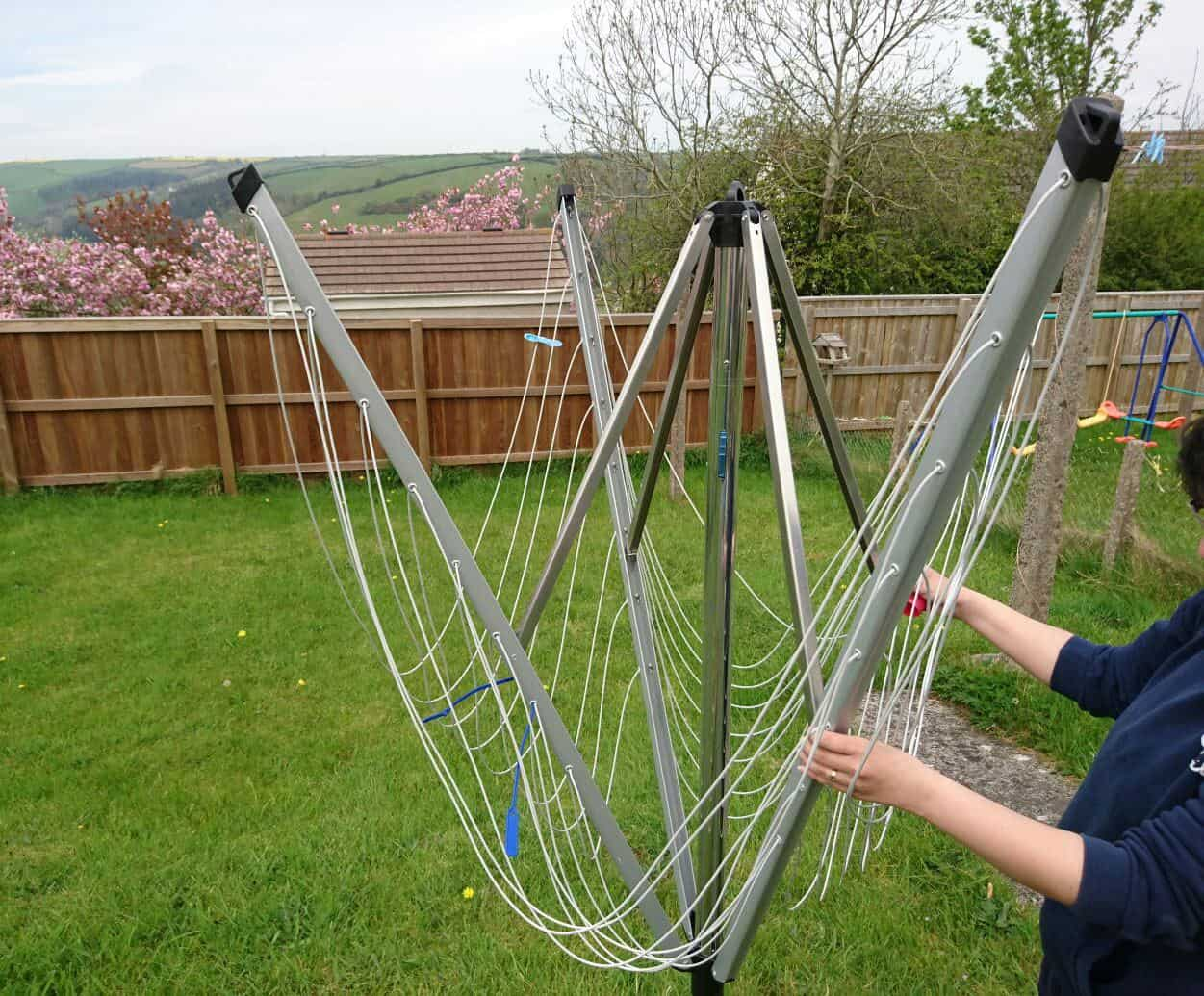 Alfresco activities - laundry with the brabantia rotary clothes drier