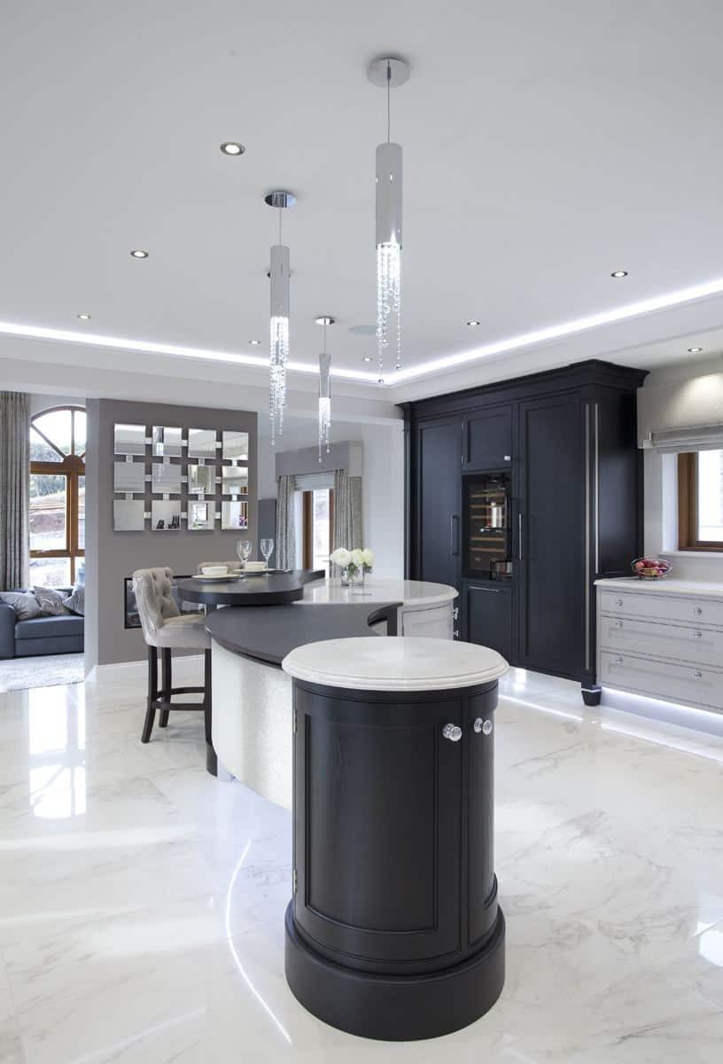 Kitchen design trends - Two-tone kitchen cabinets. Design by Darren Morgan