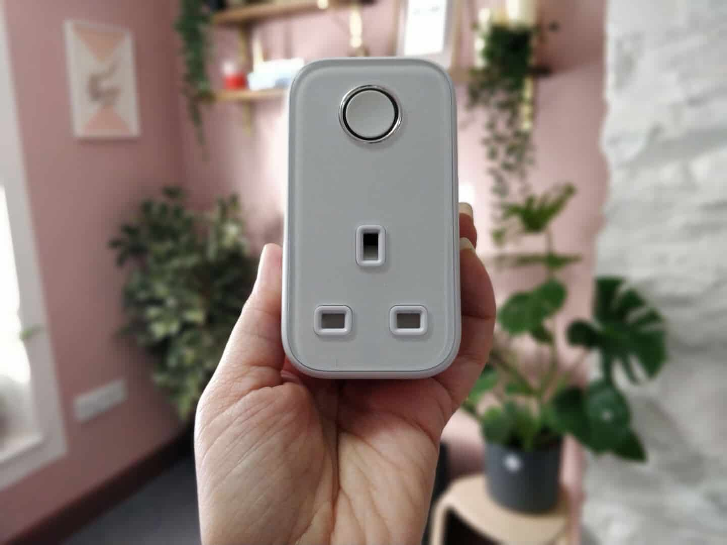 Hive active plug can be used to create a smart office or a smart home