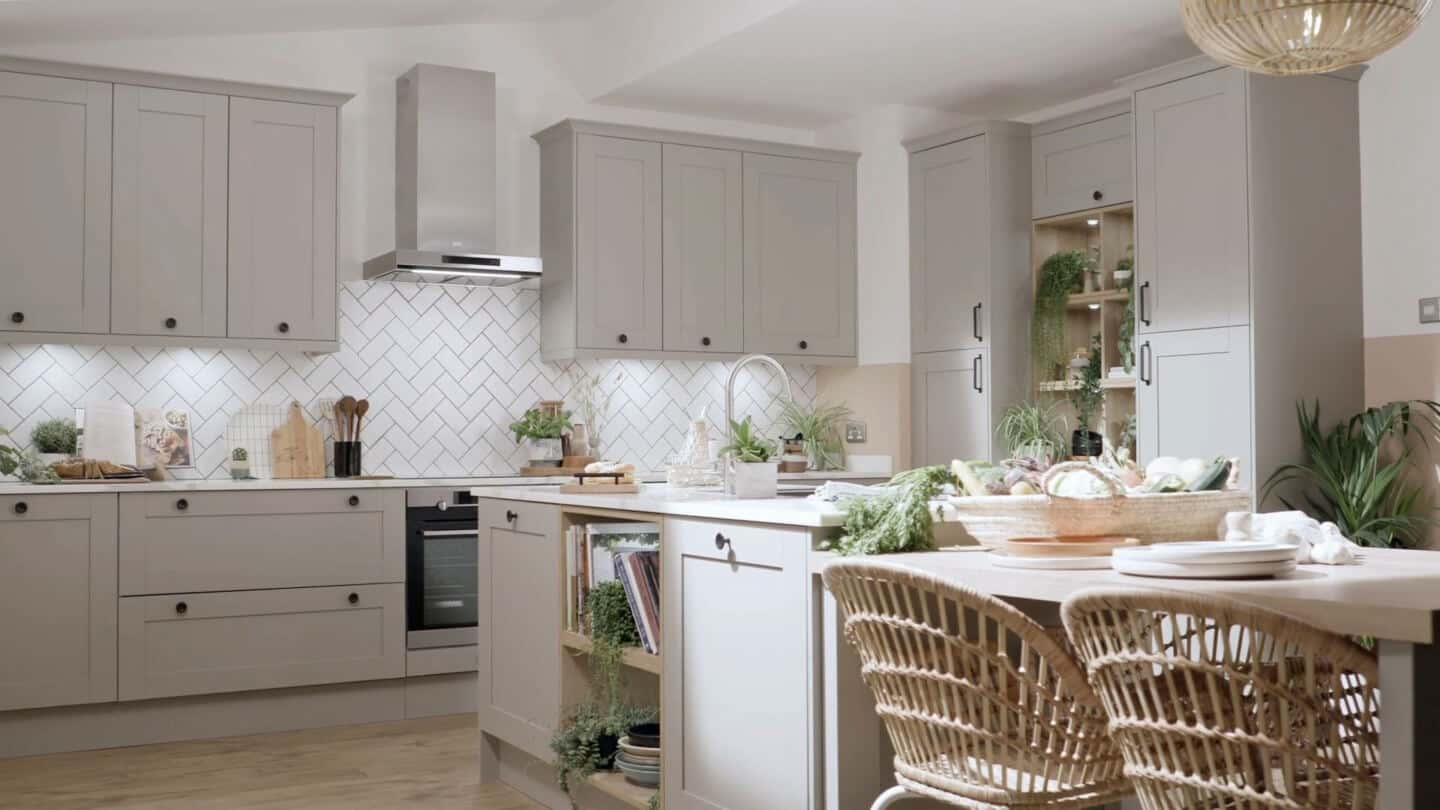 Magnet's Tatton Kitchen in pebble has been styled by Blogger Stacey Sheppard using the principles of biophilic kitchen designs