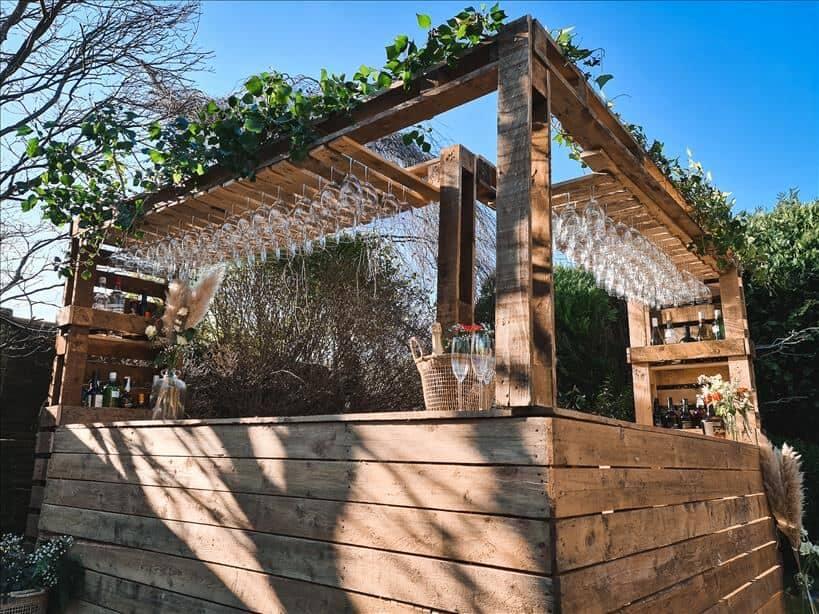 Entertain outdoors with a spectacular DIY bar
